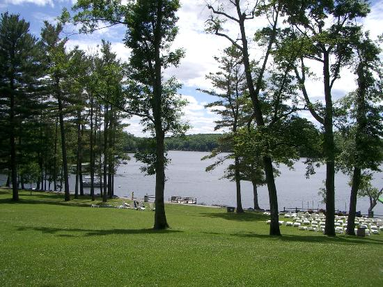 Woodloch Pines Resort: The Lake