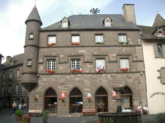 Logis Le Bailliage : Salers Tourist Office