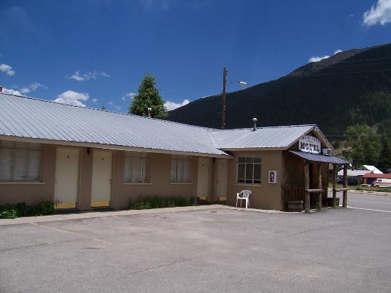 Prospector Motel: Motel front