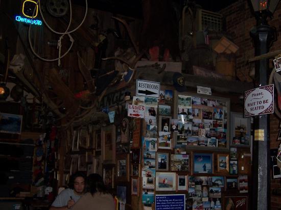 Prospector Motel: Handlebars Restaurant