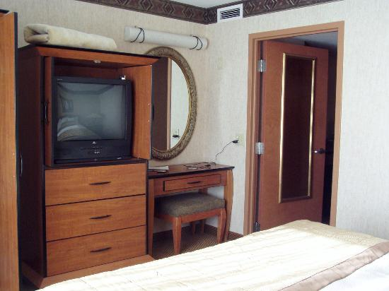 bedroom tv picture of embassy suites by hilton anaheim. Black Bedroom Furniture Sets. Home Design Ideas