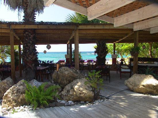 The Happy Couple Picture Of Villa Montana Beach Resort Isabela Tripadvisor