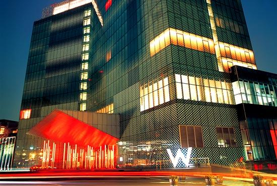 W Seoul Walkerhill: W Hotel @ Night