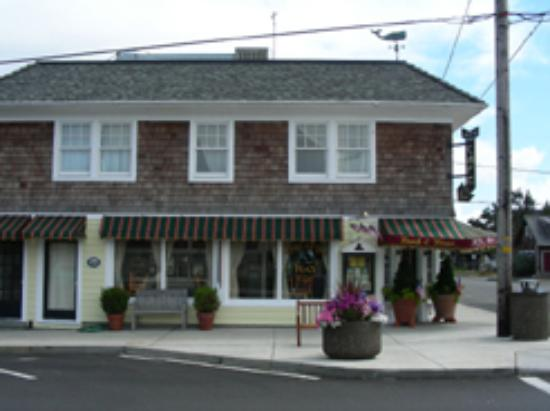 Pacific Way Cafe and Bakery: A Great Place To Eat in Gearhart!