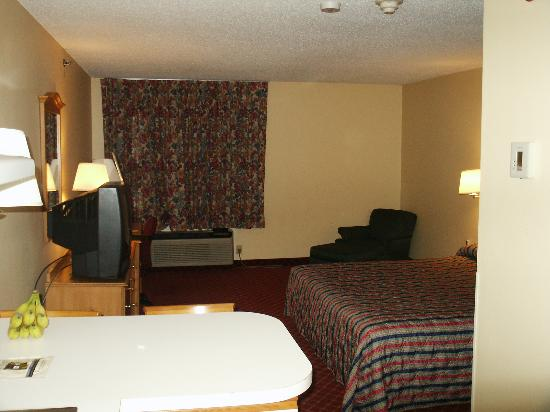 Extended Stay America - St Louis - Airport - Central : From The Kitchen