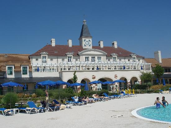 Marriott's Village d'lle-de-France: Main Building