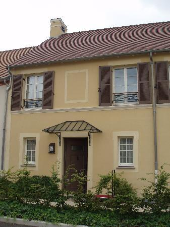 ماريوت فيليدج ديل - دي - فرانس: Villa Front
