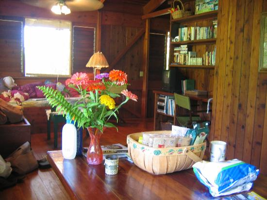 North Country Farms: Garden cottage living room