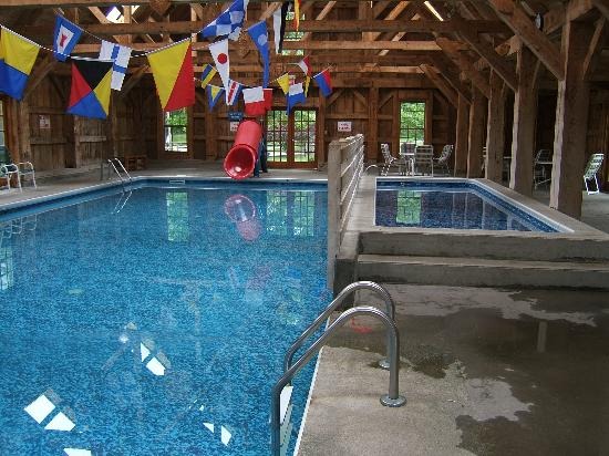 Tyler Place Family Resort: The heated indoor pool