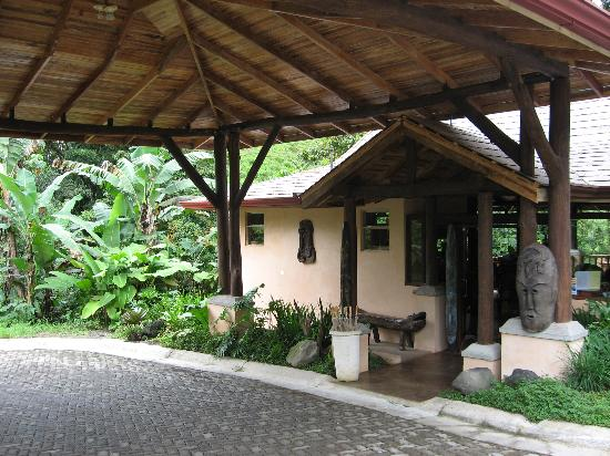 Lost Iguana Resort & Spa: the reception building