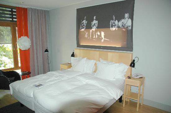 Hotel Rival: Room 326