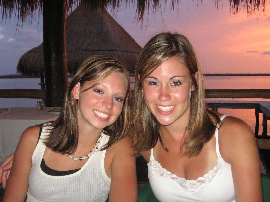 El Pueblito Beach Hotel: sunsets everyday!