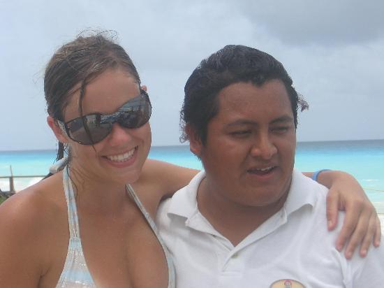 El Pueblito Beach Hotel: Ruben my fav bartender