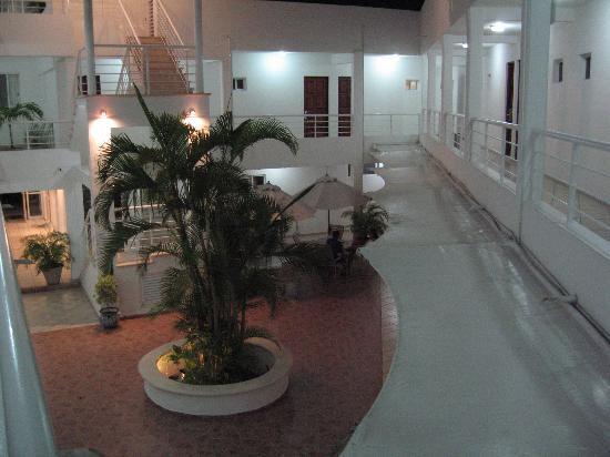 Terracaribe Hotel: Courtyard