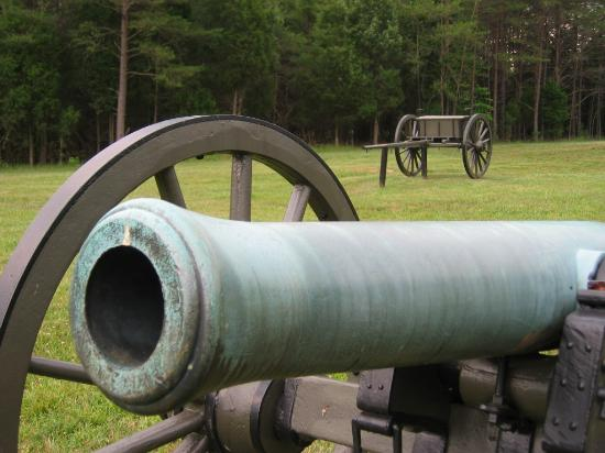 Sleep Inn Southpoint: Cannon from Spotsylvania Civil War National Historical Park