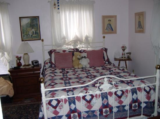 Barclay Cottage Bed and Breakfast: La chambre Alice