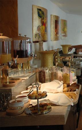Savoy Boutique Hotel: Hotel breakfast