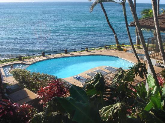 Noelani Condominium Resort: Pool area 1
