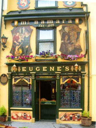 County Clare, Irland: Eugene's Drinking Emporium, Ennistymon - a MUST visit!