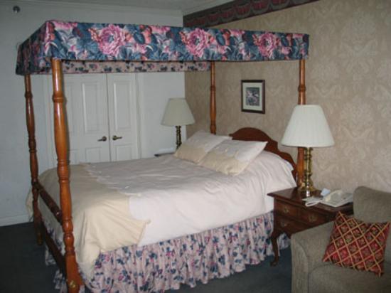 Bavarian Inn: Garden View Luxury Room