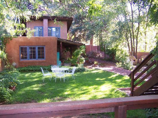Alexander's Inn : Backyard (view from Rose Room deck)