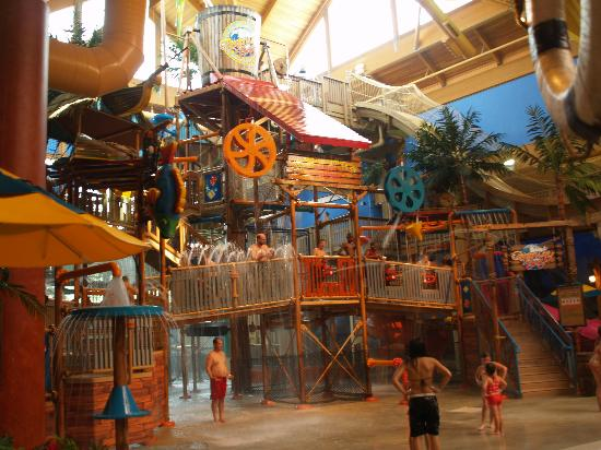 Castaway Bay Resort: Water Park