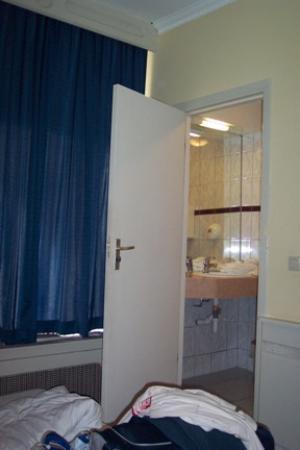 Hotel Manofa: Room 114