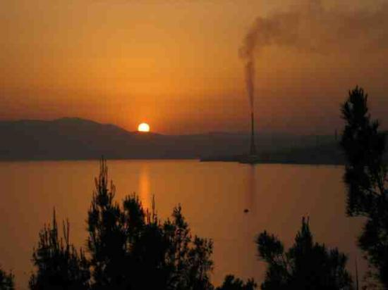 Kraljevica, Croatia: Pollution makes for nice sunsets