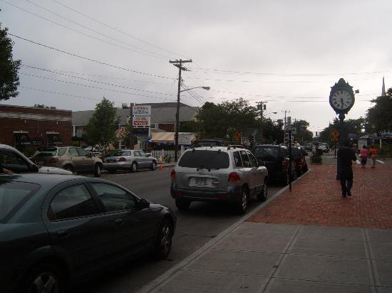 SeaCoast Inn: Main Street (2 mins walk)