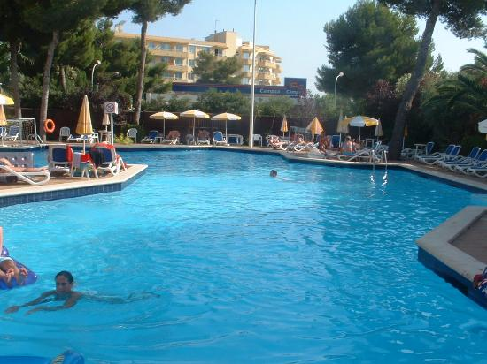 Platja d'Or: The pool