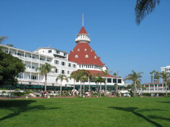 Hotel del Coronado, Ocean Side