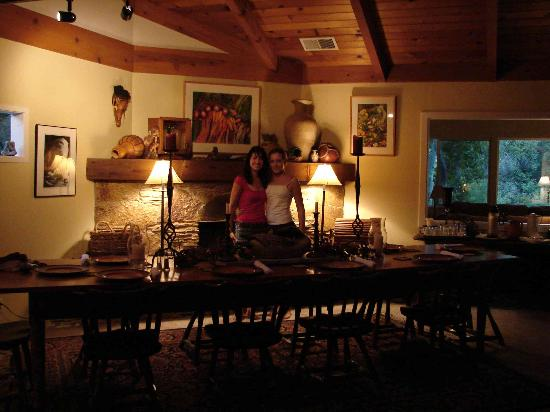 Sequoia River Dance B&B: Dining area