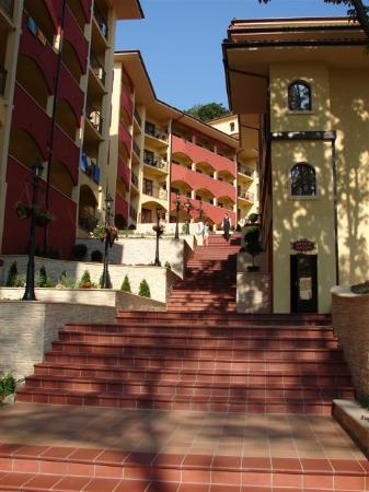 Grifid Hotels Club Hotel Bolero: staircase to 2nd 3rd building
