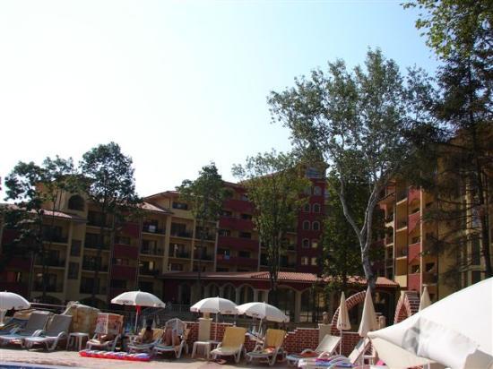 Grifid Hotels Club Hotel Bolero: view hotel from upper pool