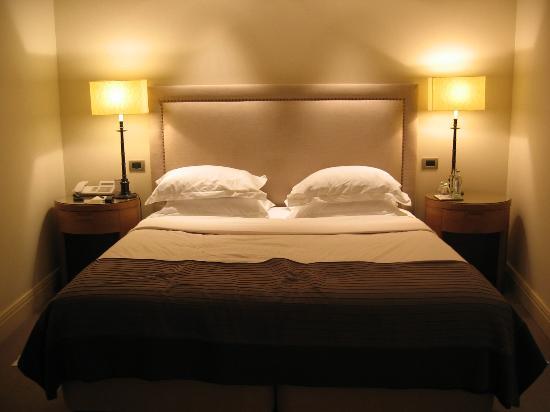 Hotel Amigo Photo