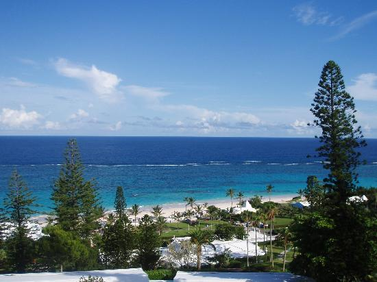Elbow Beach : the view from a standard room