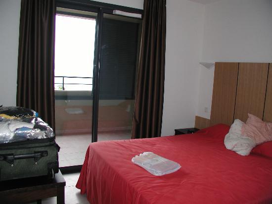 Eza Vista: Master Bedroom
