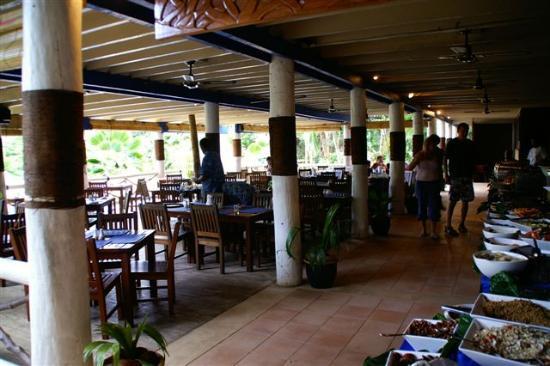 Malolo Island Resort: Main restaurant