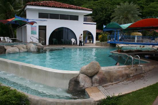 Hotel Condovac la Costa: More Condovac pools