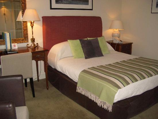 The Balmoral Hotel: Standard double room