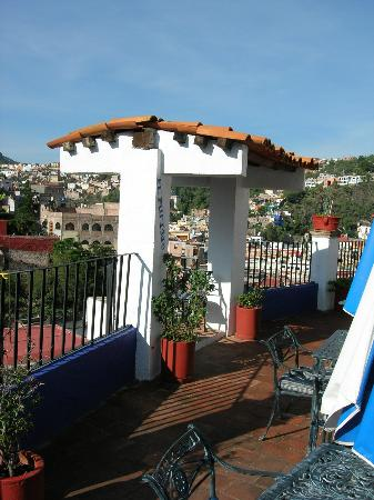 La Casa Azul: Rooftop deck's cozy seats for two