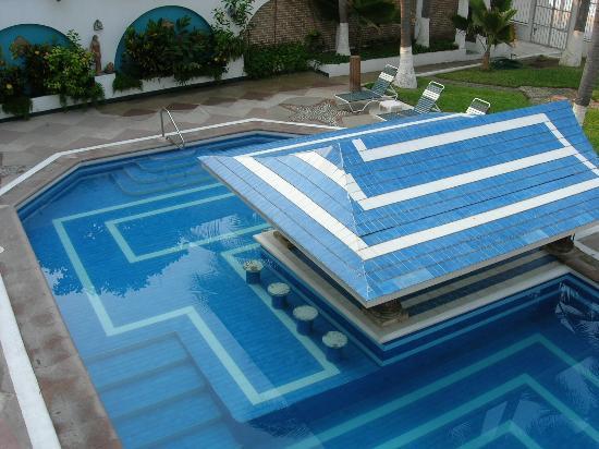 Villas Camino del Mar and Ocean Village: One of the two pools at Villas Camino del Mar