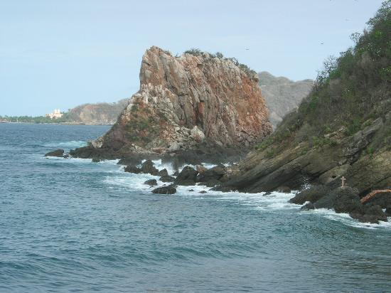San Patricio, Mexico: Rocks near Melaque