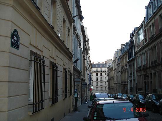 Hotel Keppler: Hotel's Street