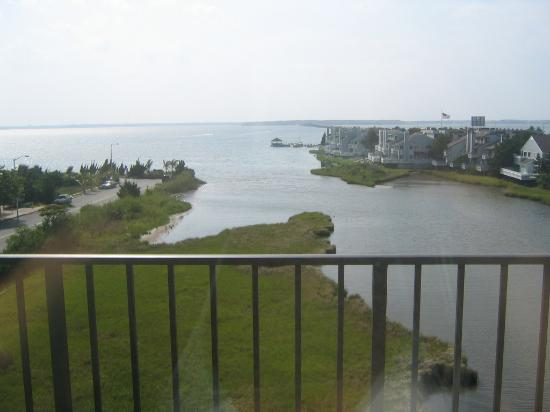 Bay Sails Inn: The view from our balcony