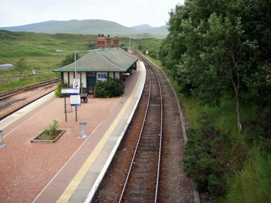 Perth og Kinross, UK: Rannoch Station, Rannoch Moor , Britains remotest railway station.