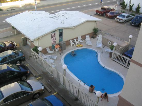 Royal Clipper Inn And Suites Pool