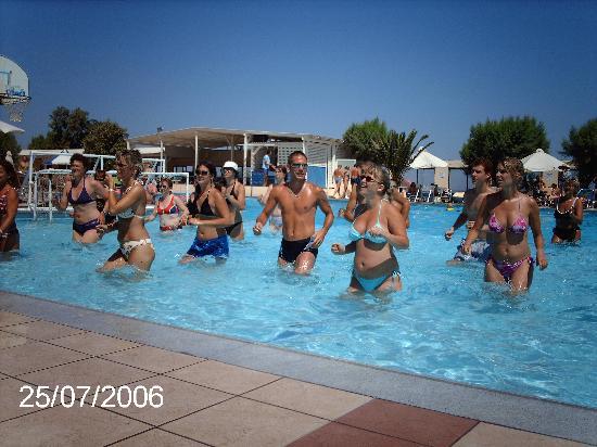 Beach Club Aphrodite: Aqua Gym