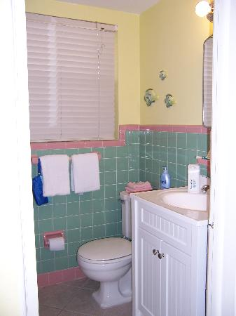 Surf Song Resort Townhouse #343: Bathroom