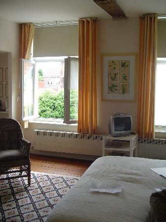 Absoluut Verhulst: Our room - lovely and affordable